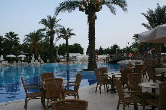 Queens Park Tekirova Resort and Spa: наш бассейн