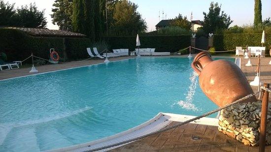 Villa Verde: Splendida piscina