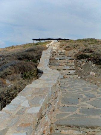 """La Tomba di Omero: A """"visitors shelter"""".....maybe?"""
