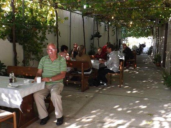 Villa Ana: Pleasant outdoor dining