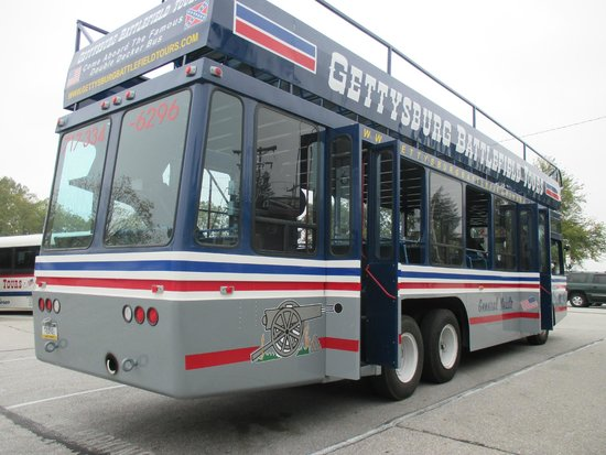 Gettysburg Battlefield Bus Tours: The double decker we had our tour on.