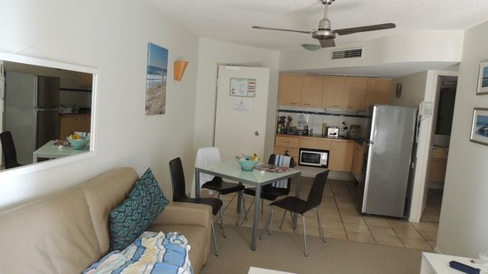 The Beach Retreat Coolum: 2 bedroom Apartment Kitchenette