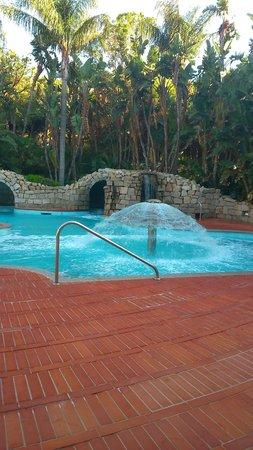 Forte Village Resort - Le Dune: la thalasso: une des piscines La thalasso en compte 6 très surprenantes (hypersodées)