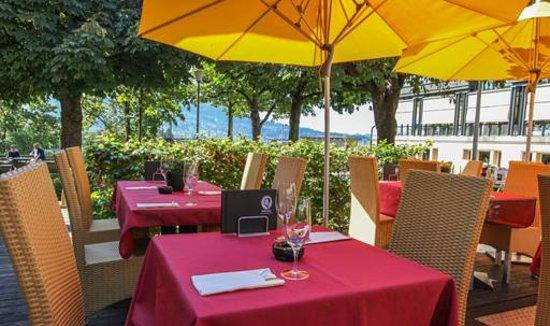 Schuler Weinwirtschaft Bellavista: Our terrace awaits you