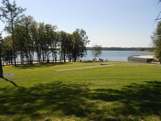 Le crocodile rouge photo de les lacs de l 39 eau d 39 heure - Restaurant cote jardin lac 2 ...