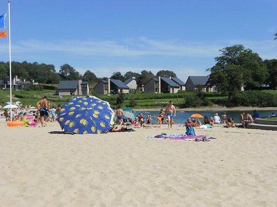 La plage a l 39 espace fun photo de les lacs de l 39 eau d for Hotel al heure liege