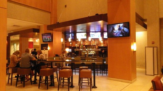 Hyatt Regency Morristown: le bar du lobby