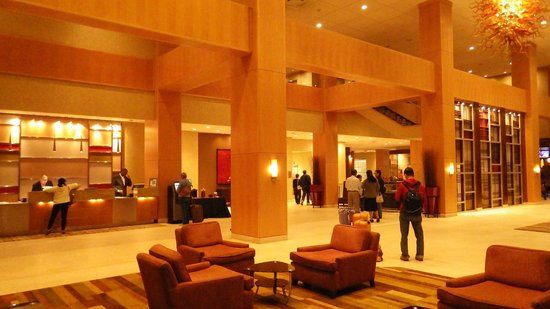 Hyatt Regency Morristown: lobby