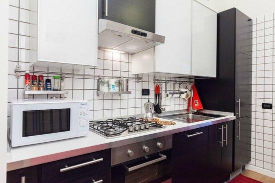 Almes B&B: Almes Garden Apartment's Kitchen