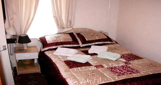 Willow Grove Hotel: guest room