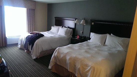 Hampton Inn & Suites Moreno Valley: Room