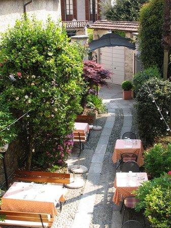 Antica Stallera Hotel: Outdoor restaurant