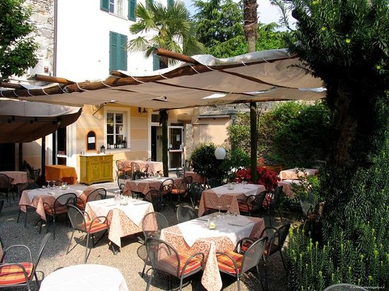 Antica Stallera Hotel: Outdoor restaurant