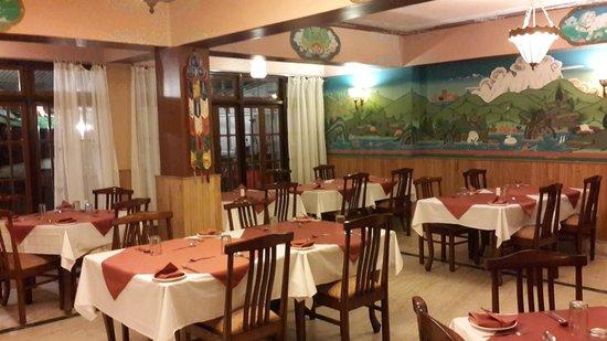The Lindsay Himalayan Heights Hotel: restaurant