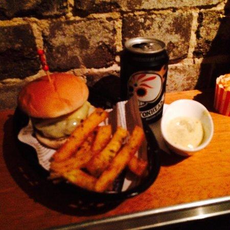 Hinky Dinks: Cheeseburger with polenta fries and aioli sauce