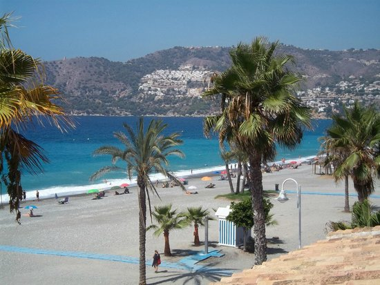 Sol Los Fenicios: A View of the Beach from the Terrace