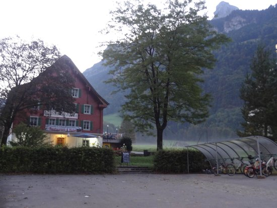 Gasthaus Grafenort: Hotel view from across the road