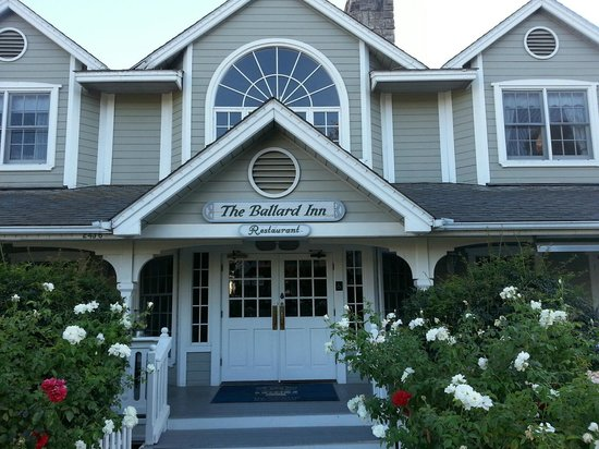 Ballard Inn Restaurant : Exterior