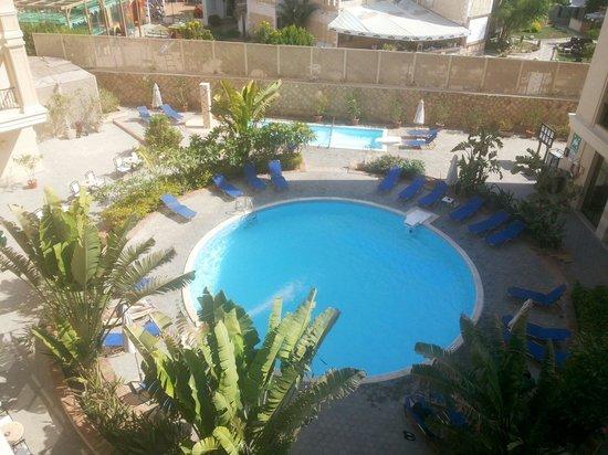 Sol Y Mar Ivory Suites: Hotel pool from 3rd floor