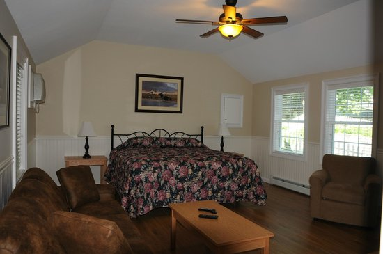 Oxen Yoke Inn, Motel & Cottages: Suite