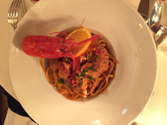 Le Fouquet's: Lobster linguini. ��