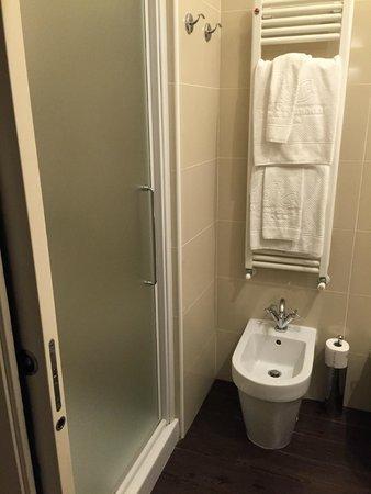 Canada Hotel: Bagno