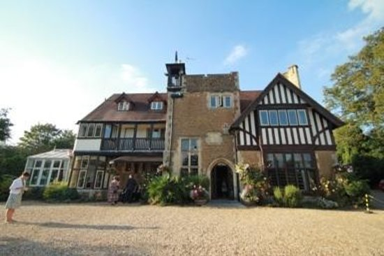 Farnham House Hotel : perfect setting for english counrty wedding