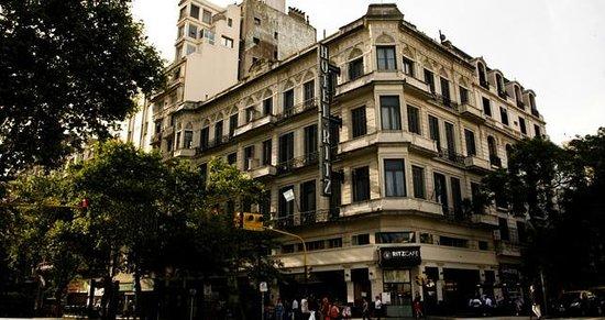 Ritz Hostel: Vista do hotel
