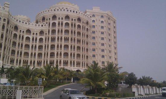 Al Hamra Residence: внешний вид