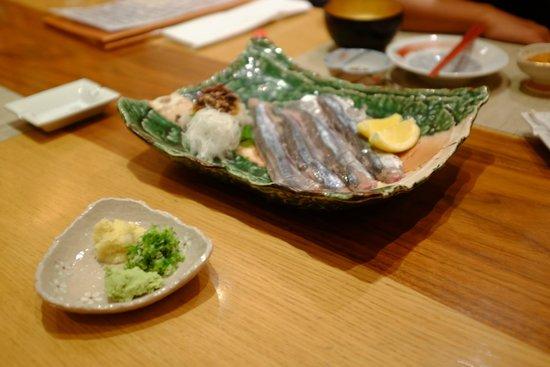 Kiku : 秋刀魚の刺身