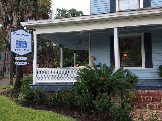 Blue Heron Inn - Amelia Island: Veranda and breakfast area
