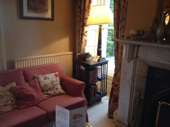 Lovelady Shield Country House Hotel: Lounge