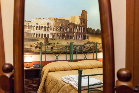 Almes B&B: Colosseo Room