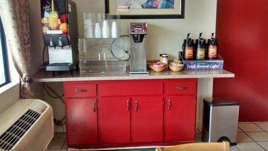 Vagabond Inn Fresno: new paint :-)