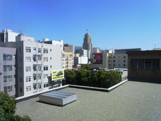 Cova Hotel: 泊まった部屋からの眺め。通りに面していない部屋でした。
