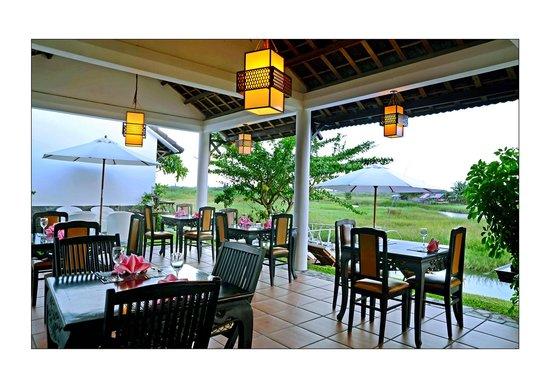 Riverside Impression Homestay: Restaurant