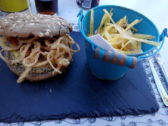 Don Pedro Cafe Bistro: hamburguesa vegetariana