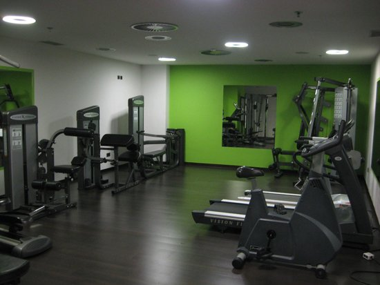Exercise equipment picture of hotel europe sarajevo for Equipement hotel