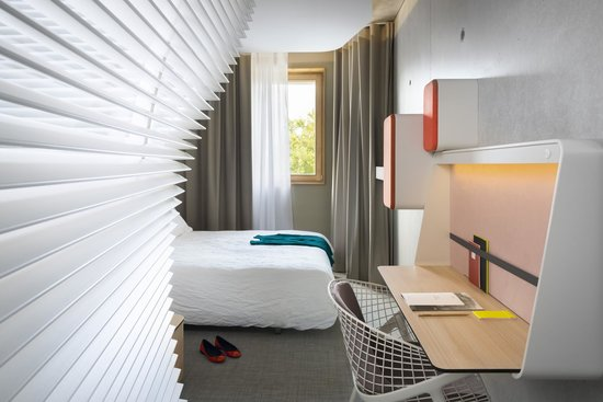 salle de bain photo de okko hotels grenoble jardin hoche grenoble tripadvisor. Black Bedroom Furniture Sets. Home Design Ideas