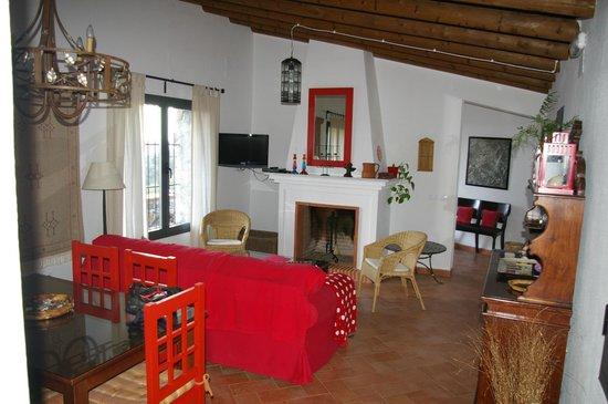 Casas Rurales el Rincon de las Tobas: Inside the apartment
