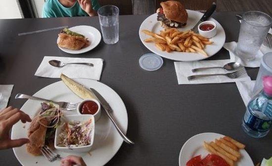 Hilo Bay Cafe : bay cafe