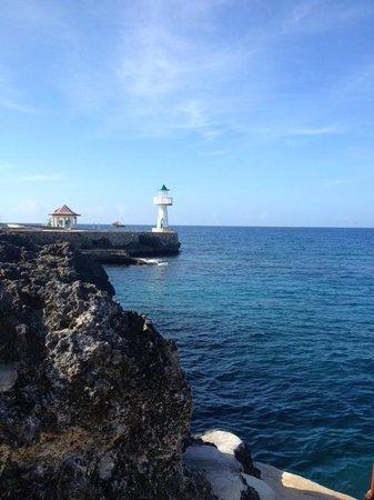 Sea Grape Villas: blue skies everyday!