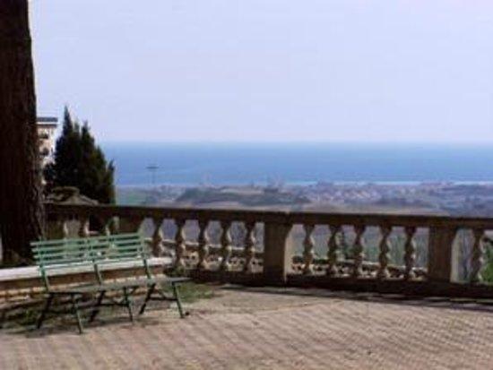 Casa per le Ferie Istituto Salesiano Madonna di Loreto: Terrazzo belvedere sul mare Adriatico