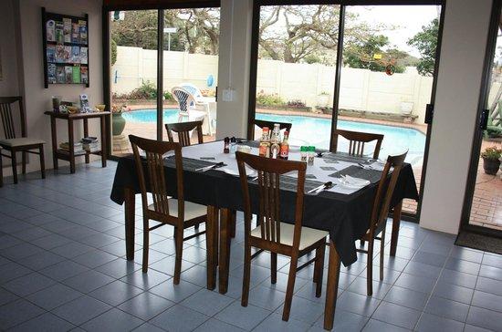 Leisure Lodge BB DINING AREA