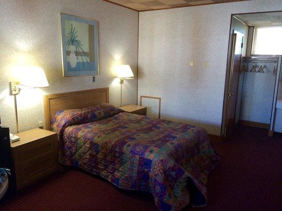 Knights Inn Galax: Standard room, one bed