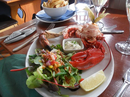 The Tayvallich Inn: lobster with crab claw