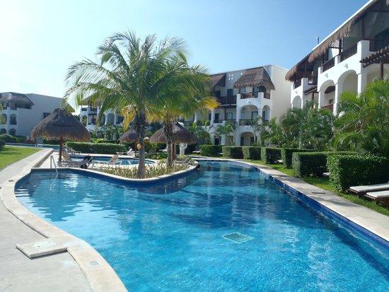 Valentin Imperial Riviera Maya: Lazy Pool