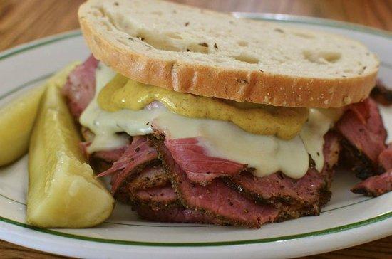 Bonzer's Sandwich Pub