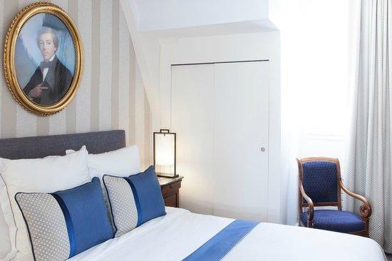 Hotel des Saints-Peres: A room / Une chambre