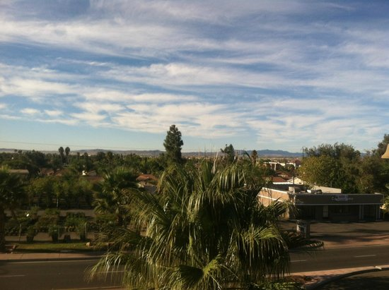 La Quinta Inn & Suites Moreno Valley : View from balcony at the end of the third floor
